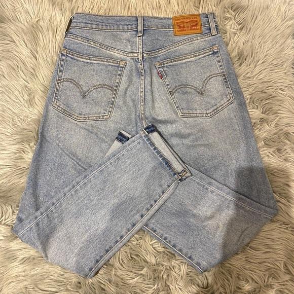 Levi's 501 light wash jeans